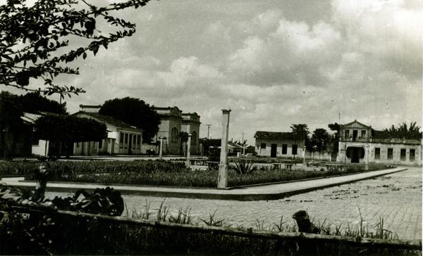Praça José Marcelino : São Felipe, BA - 1957