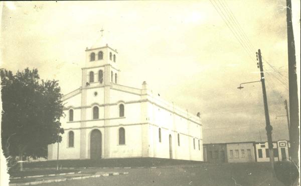 Igreja Matriz de Nossa Senhora do Amparo : Sátiro Dias, BA - [19--]