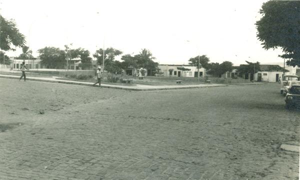 Praça José Luiz Ramos : Teofilândia, BA - [19--]