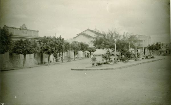 Praça Vigário Martins : Tucano, BA - 1957