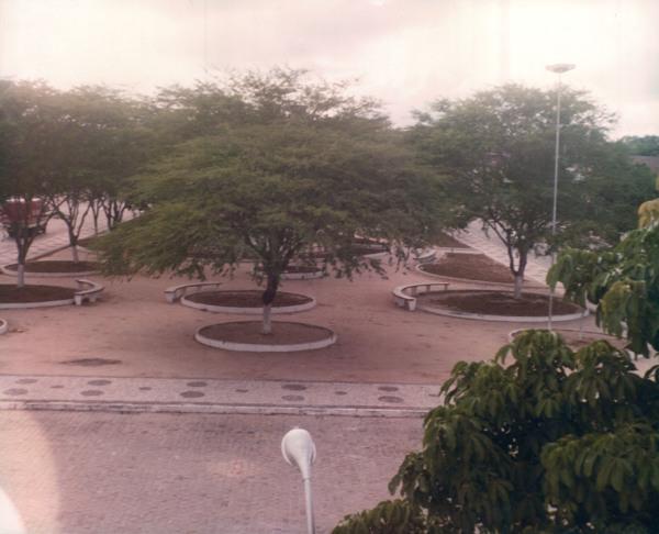 Praça Getúlio Vargas : Valente, BA - [19--]