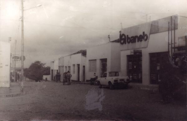Rua Nabor Lima Rios : Banco Baneb : Várzea do Poço, BA - [19--]