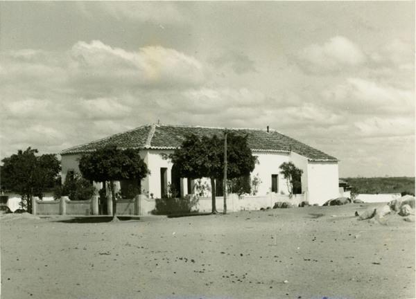 Vista parcial da cidade : Aiuaba, CE - [19--]