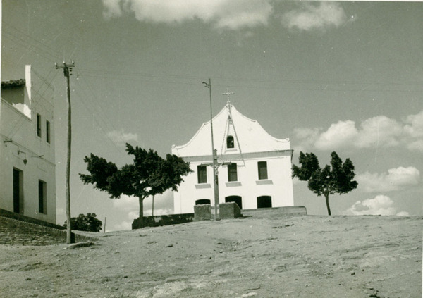 Igreja Matriz São Sebastião : Apuiarés, CE - [19--]