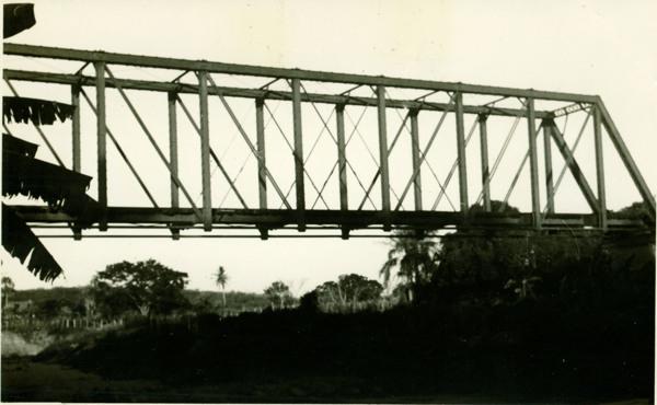 Ponte da Rede de Viação Cearense : Aracoiaba, CE - [19--]
