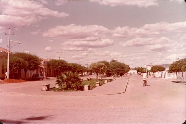 Praça Dionísio Rocha de Lucena : Avenida Santos Dumont : Brejo Santo, CE - [19--]