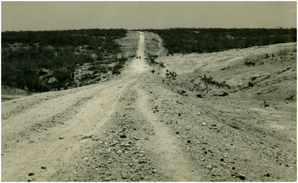 Estrada Jaguaretama-Solonópole : Jaguaretama, CE - [19--]