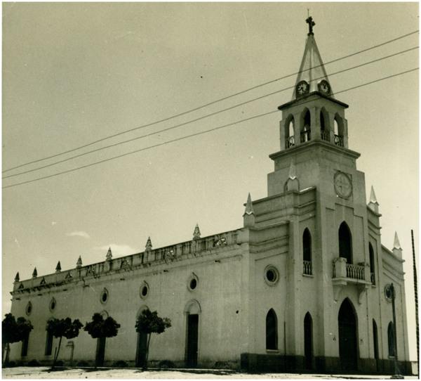 Igreja Matriz de Nossa Senhora da Conceição : Jaguaretama, CE - [19--]