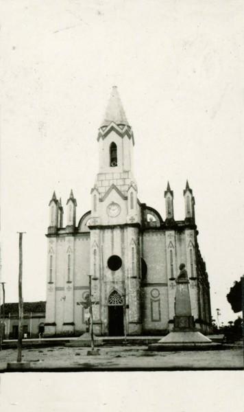 Igreja Matriz de Nossa Senhora Sant'Ana : Jaguaruana, CE - [19--]