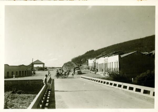 Ponte : vista parcial da cidade : Jati, CE - [19--]