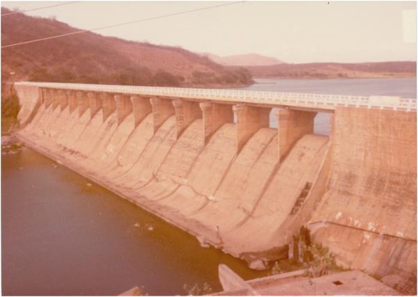 Barragem : ponte : Rio Quixeramobim : Quixeramobim, CE - [19--]