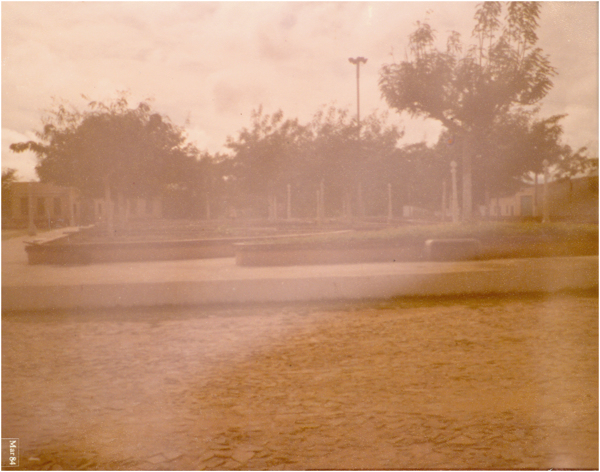 Praça Coronel Epifânio : Paramoti, CE - 1984