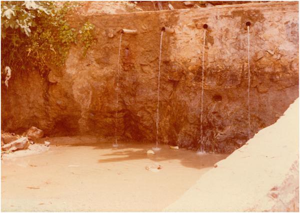 Vista parcial da Praia da Bica : Paracuru, CE - [19--]