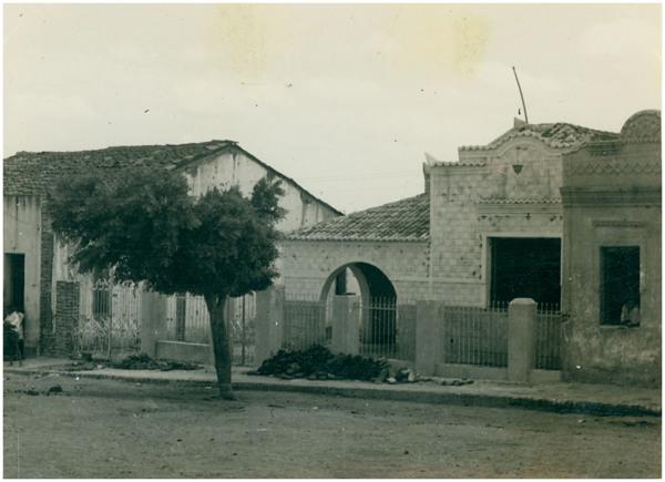 Casa paroquial : Parambu, CE - [19--]