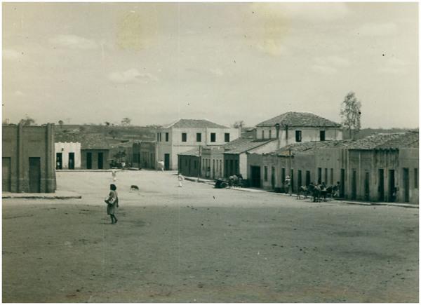 Praça da Matriz : Parambu, CE - [19--]