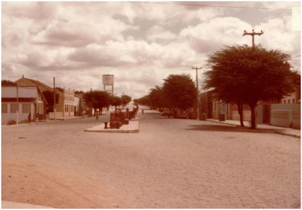 Avenida Odilon Aguiar : Tauá, CE - 1983