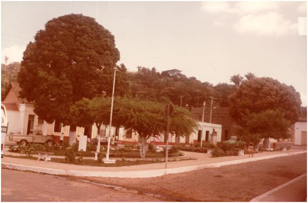 Praça Manuela Bezerril : Viçosa do Ceará, CE - 1983