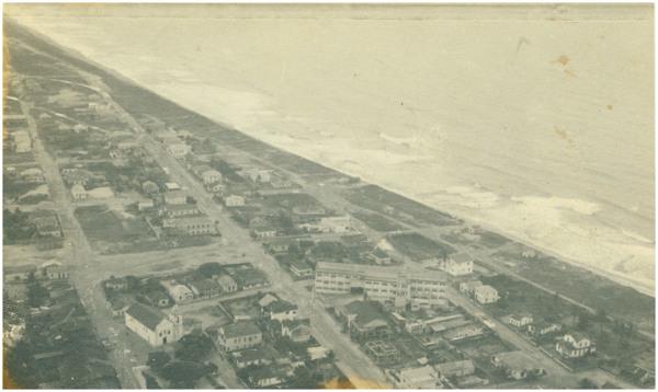 Vista aérea da cidade : Conceição da Barra, ES - [19--]