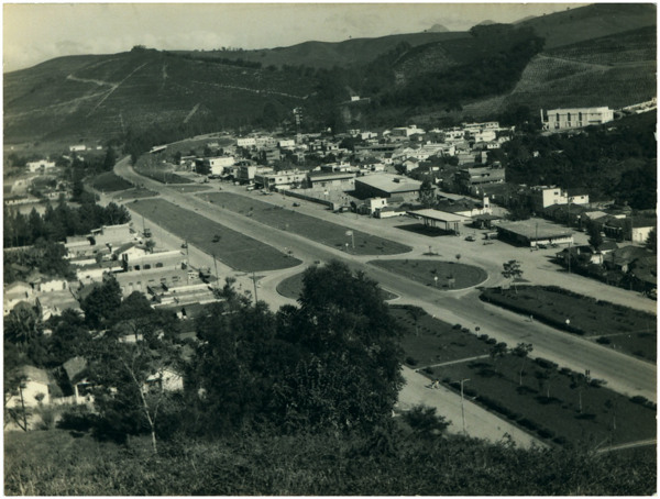 Vista panorâmica da cidade : BR – 262 : Ibatiba, ES - [19--]