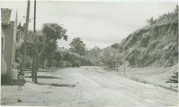 Avenida Getúlio Vargas : Ibiraçu, ES - [19--]