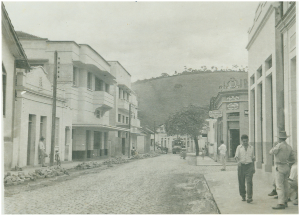 Rua Marechal Deodoro : Afonso Cláudio, ES - [19--]