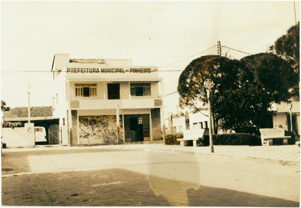 Prefeitura Municipal : Pinheiros, ES - [19--]