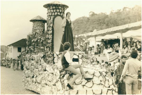 Comemoração do 1º Centenário da cidade : Santa Teresa, ES - 1975
