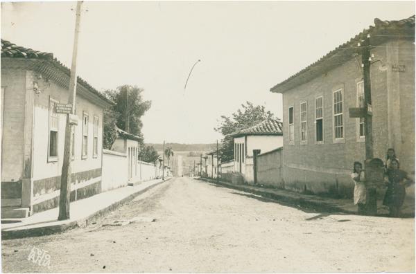 Rua Eugênio Jardim : Bela Vista de Goiás, GO - [19--]