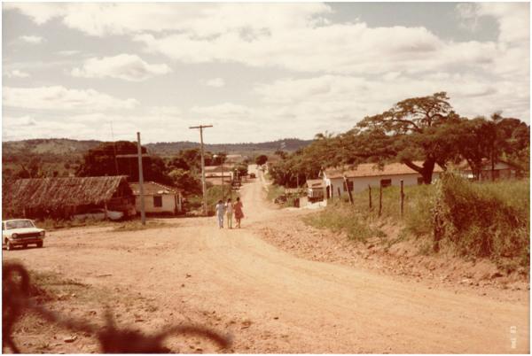 Vista parcial da cidade : Água Limpa, GO - 1983