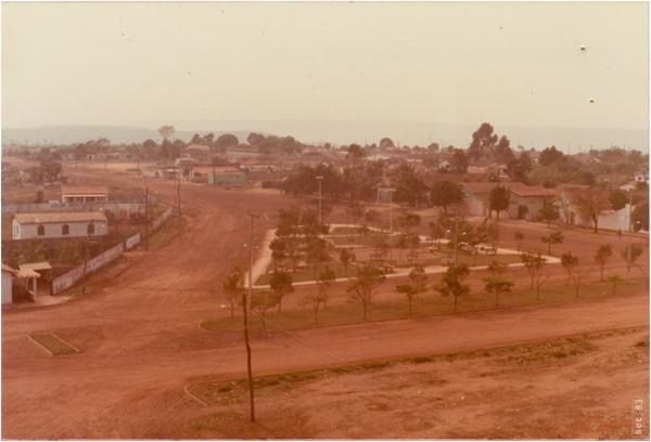 Praça Central : [vista panorâmica da cidade] : Abadiânia, GO - 1983
