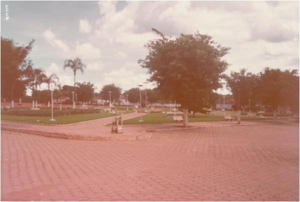 Praça Pio XII : Campestre de Goiás, GO - 1984