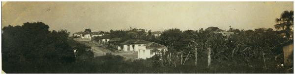 Rua Dep. Floriano Gomes : vista parcial da cidade : Edéia, GO - [19--]