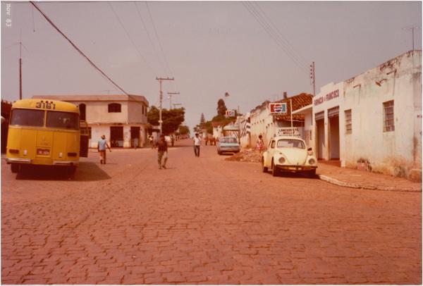 [Vista parcial da cidade] : Goianira, GO - 1983