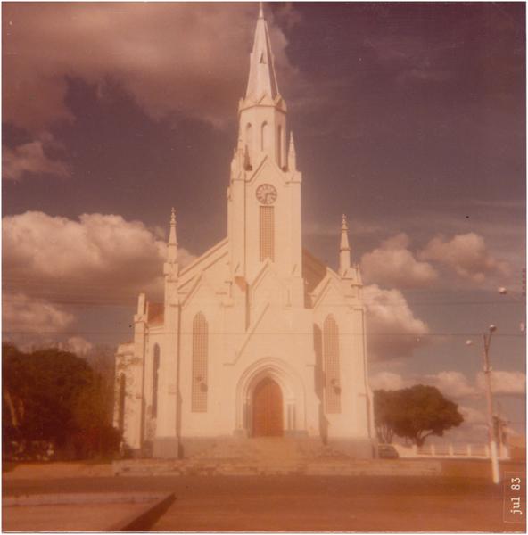 Catedral do Divino Espírito Santo : Ipameri, GO - 1983