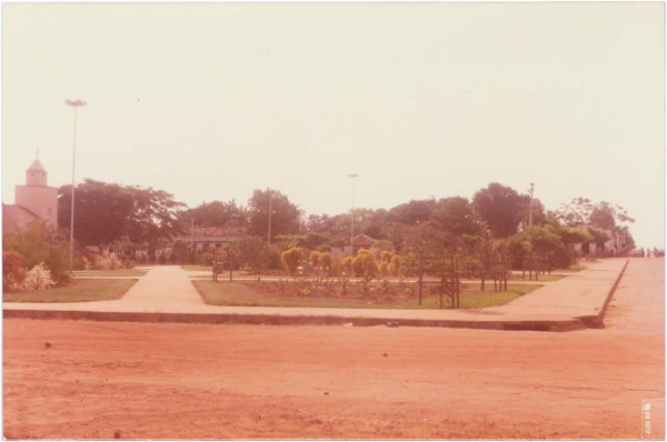 Praça Domingos de Oliveira França : Itarumã, GO - 1984