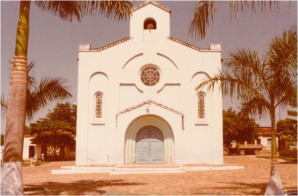 Igreja Católica : Itapirapuã, GO - 1983