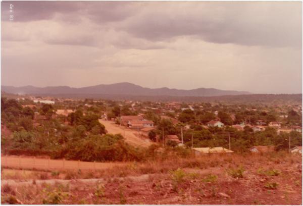 Vista panorâmica da cidade : Minaçu, GO - 1983