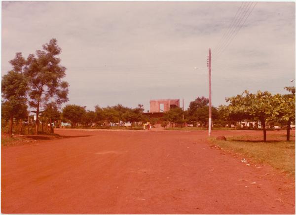 Praça Joaquim Ernesto : Montes Claros de Goiás, GO - [19--]