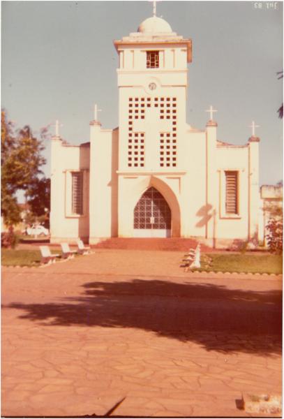 Igreja Matriz de São Benedito : Nerópolis, GO - 1983