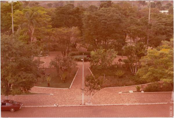 Praça São Benedito : Nerópolis, GO - 1983