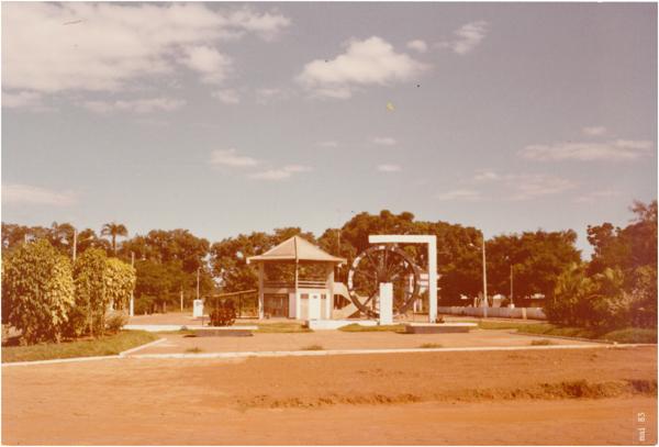 Praça Abilon Borges : Orizona, GO - 1983