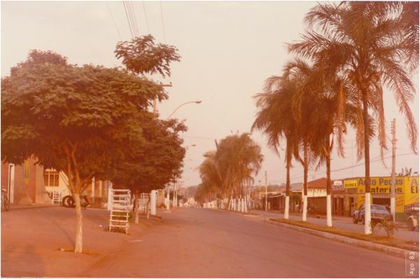 Av. Humberto Mendonça : Palmeiras de Goiás, GO - 1983
