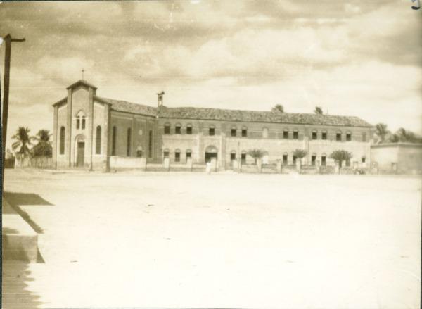 Convento das Irmãs Capuchinhas, Educandário São José da Providencia e Capela de Santo Antônio : Barra do Corda, MA - [19--]