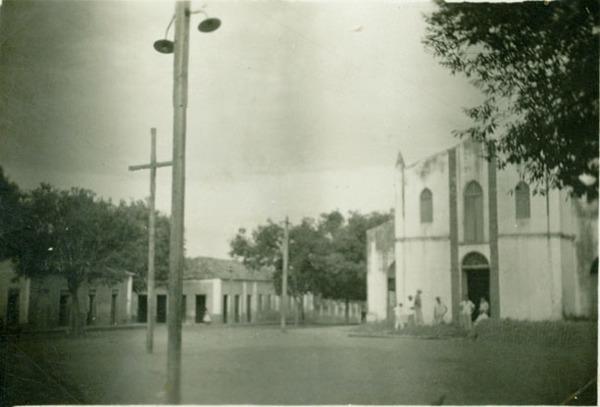 Praça Coronel Raimundo Moreira Lima : Igreja Matriz de Santo Antônio : Buriti Bravo, MA - [19--]