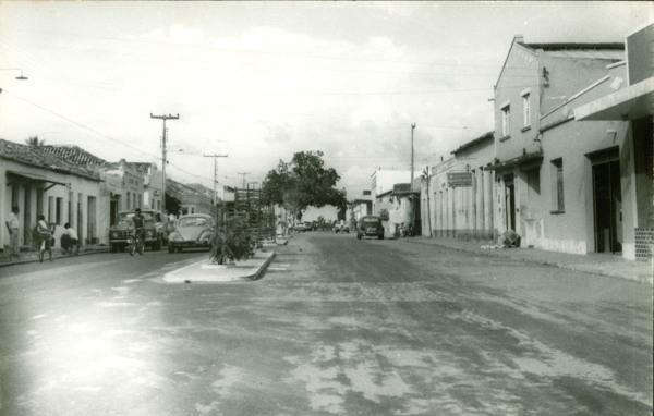 Avenida Oliveira Roma : Chapadinha, MA - [19--]