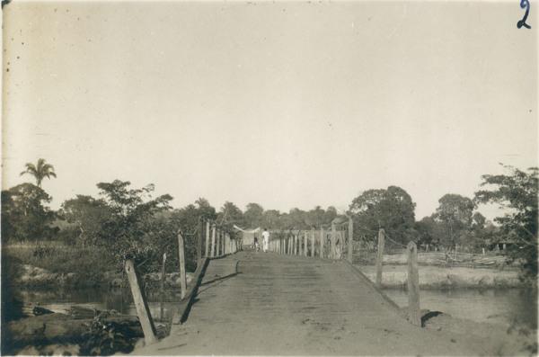 Ponte sobre o Rio Itapecuru : Mirador, MA - [19--]
