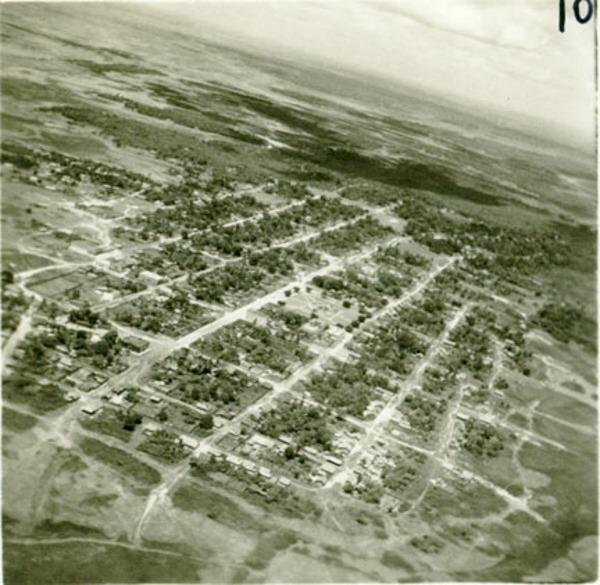 Vista aérea da cidade : Pinheiro, MA - [19--]