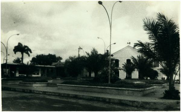 Praça Cônego Eliud Nunes Arouche : Vitória do Mearim, MA - [19--]