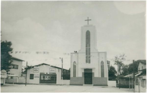 Igreja Matriz de Nossa Senhora das Graças : Ananindeua, PA - 1983
