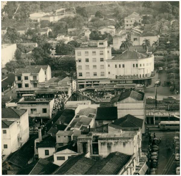 Vista [panorâmica] da cidade : Estação Ferroviária de Nova Iguaçu : Nova Iguaçu, RJ - 1968